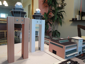 Model Airport 1:200 Control Towers