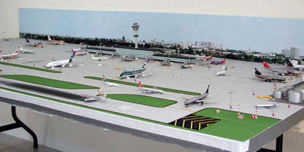 1-400-single-runway1-model-airport-600