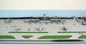1:400 Single Runway Model Airport #1