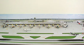 1:400 Model Airport Single Runway #3 - Gemini