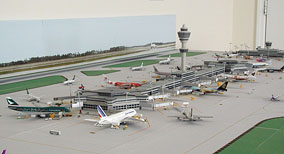 1:500 Scale Dual Runway Model Airport