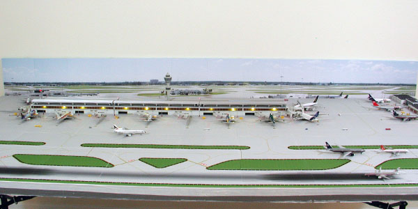 background-3-model-airport-600