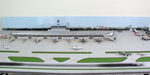 background-4-model-airport-600