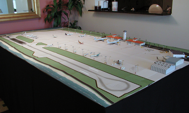 Model Airport Tropical Single Runway 1:400 scale